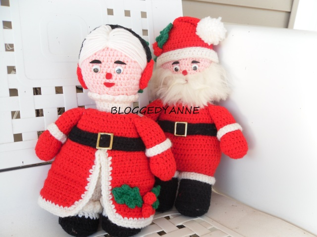 crocheted Mr and Mrs Santa