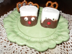 Reindeer Marshmallow treats